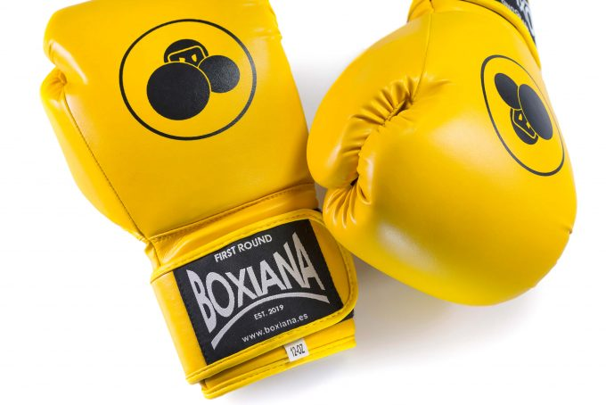 guante boxeo amarillo